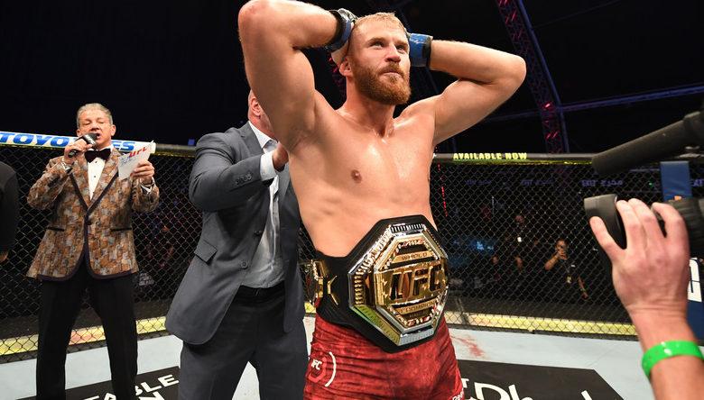 Jan Błachowicz mistrzem UFC! Polak wygrywa w drugiej rundzie